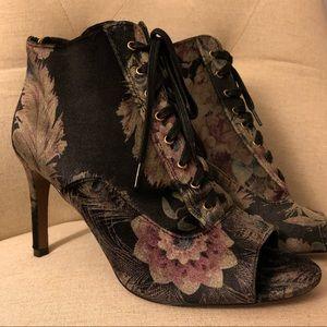 Nanette Lepore floral velvet heels😍